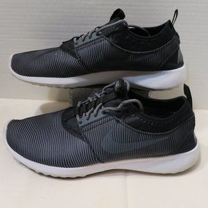 NIKE black & gray pinstripe comfort shoes